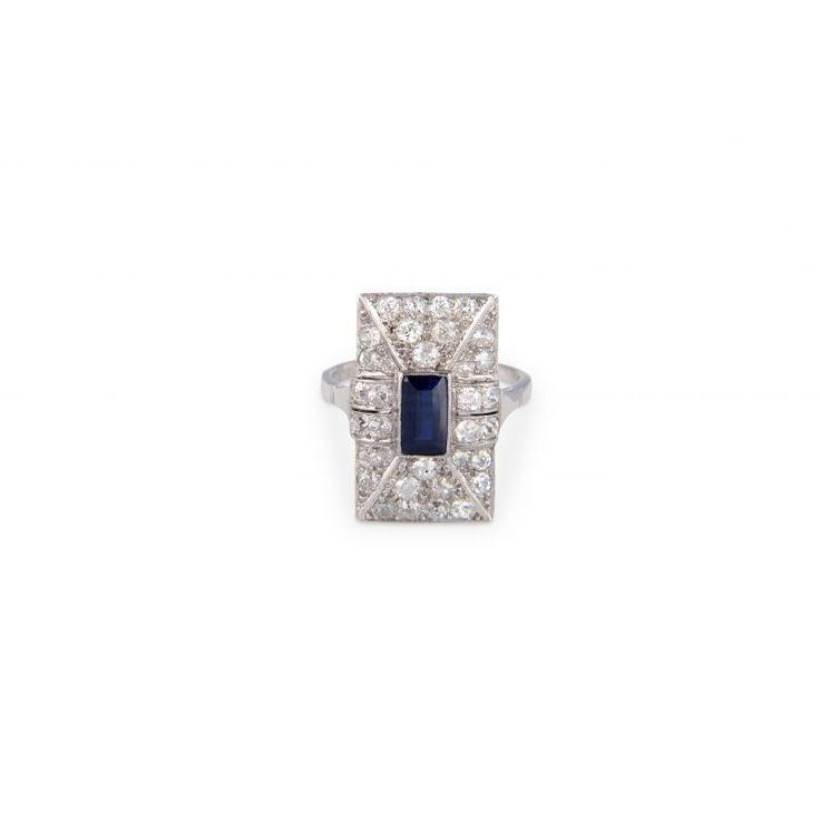 B225 18ct White Gold Sapphire And Diamond Ring C1940