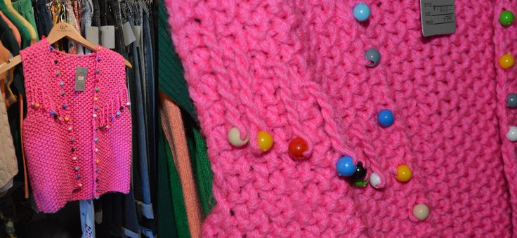 Beads added into knit  -Add other objects with holes onto knit