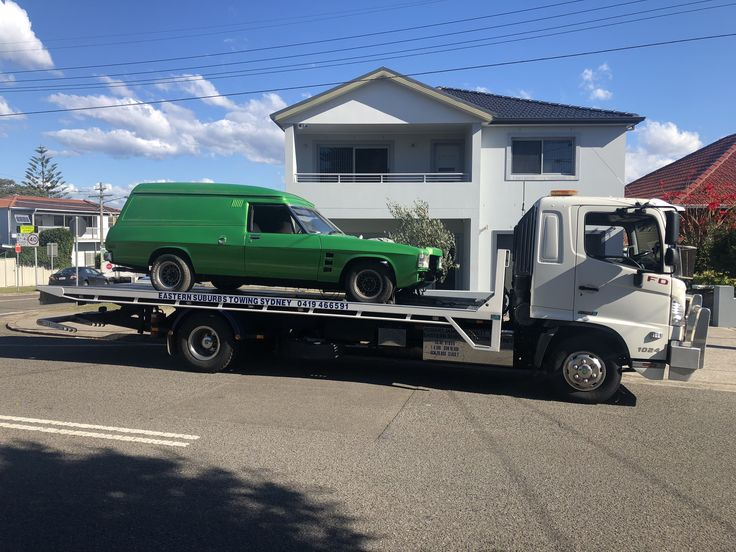 Towing a HQ Holden pavel van from Tenderton Road Botany