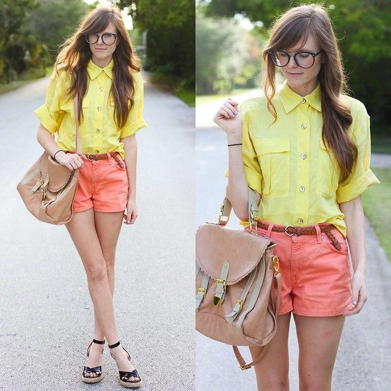 Colored shorts are cute!: Colors Combos, Shirts, Bright Colour, Geek Chic Glasses, Colors Combinations, Wedges, Coral Shorts, Summer Clothing, Style Ideas