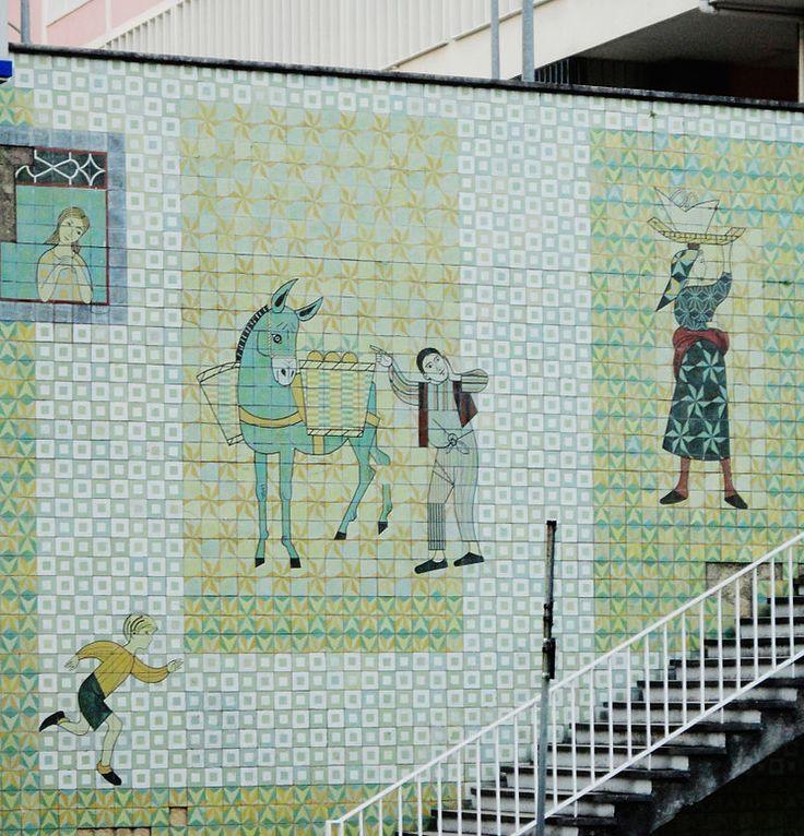 Pomar, Júlio, painel de azulejos, c 1958, Av Infante Santo, Lisboa - Azulejo –…