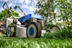 Why Choose Petrol Lawn Mowers over Other Types