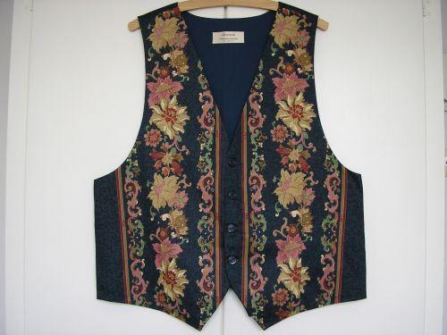 Luxury Mens Designer Waistcoat. 40 -42 with matching  Bow Tie