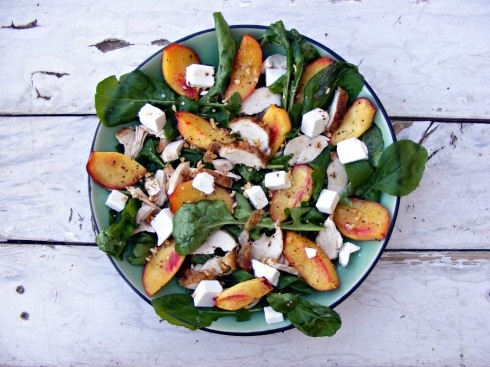 "Nettarine alla griglia con insalata di pollo arrosto, feta, rucola e arachidi  ""I love the soft texture and sweet taste that nectarines get when roasted""."