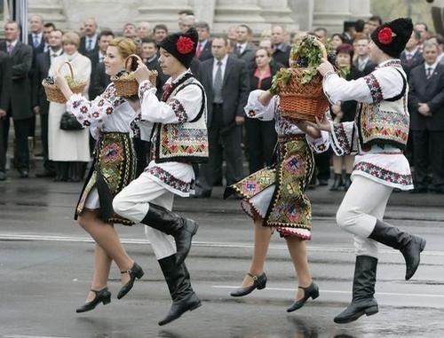 Moldavian national costumes.