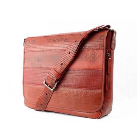 メッセンジャー | 消防ホースから生まれた実用性に優れたデザインバッグ by Elvis & Kresse