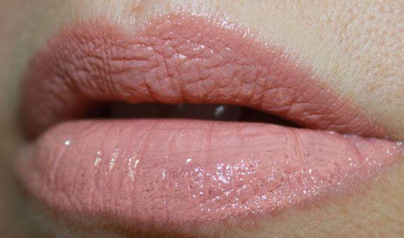 NYX Xtreme Lip Cream Natural http://www.mojadrogerija.si/licila/1183-nyx-extreme-lip-cream-.html