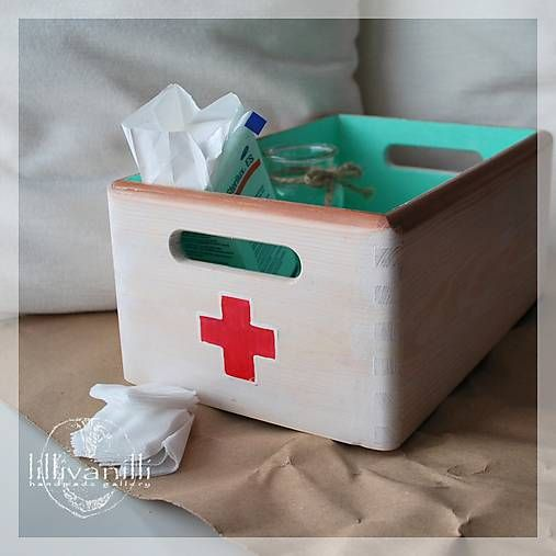 lillivanilli / Retro bednička na lieky