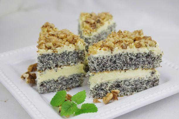 Makový koláč s vanilkovým krémom