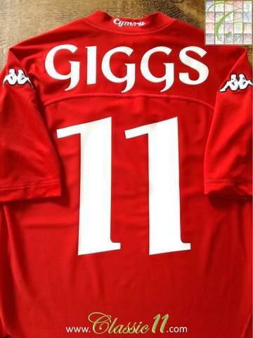 Official Kappa Wales home football shirt from the 2004/2005 international season. Complete with Giggs #11 on the front and back of the shirt.