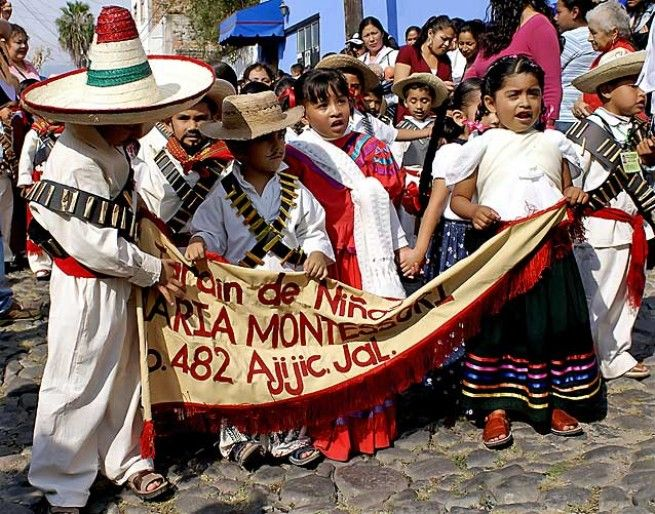 Kids dressed for Revolution Day