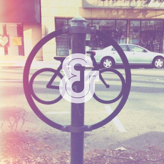 Sacramento Life! Get out of your cars and onto your bikes.  #midtownsac #circleseries | Flickr - Photo Sharing!