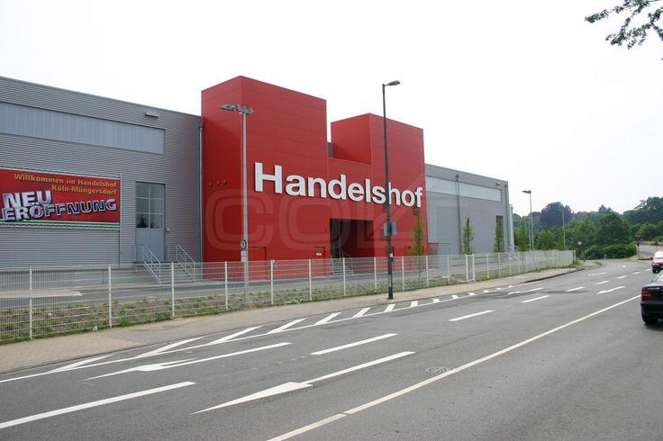 Der Handelshof Köln-Müngersdorf mit 9000 m2 Einkaufsfläche und einem Sortiment von etwa 80.000 Artikeln ist einer von 14 großen Cash & Carry Märkten in Deutschland.