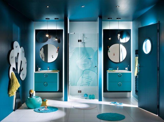 1000 id es propos de salles de bains bleu fonc sur - Salle de bain gris bleu ...