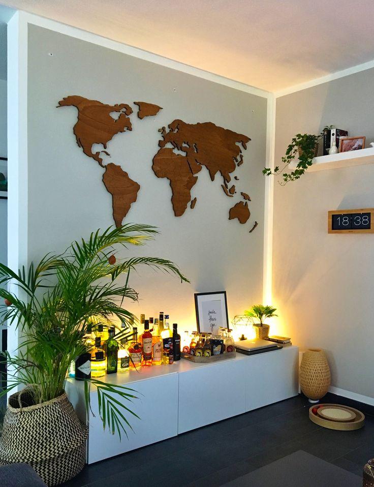 Epic Weltkarte aus Holz von Etsy ber der Homebar Dazu eine coole Flipuhr