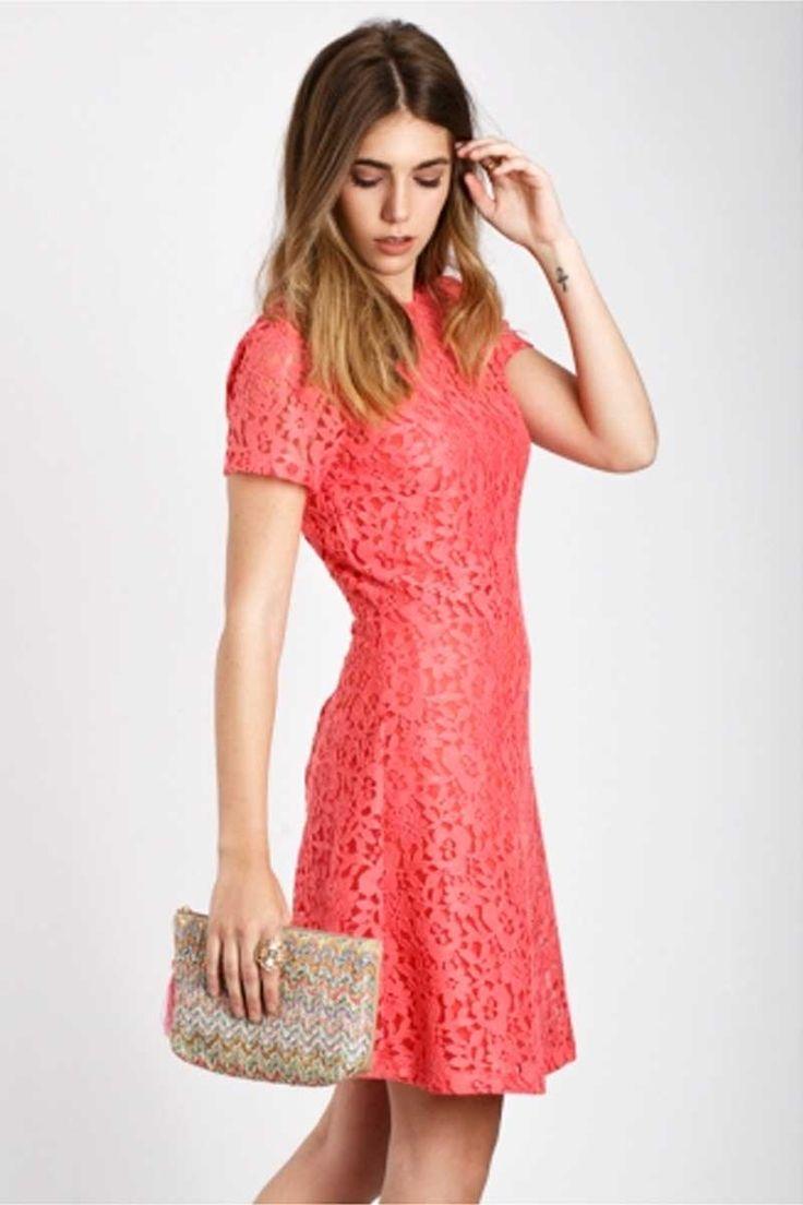 Porque pensamos en ti, estrena cuando tu quieras. Vestido coral de encaje. Ver ▶ https://regalva.com/categoria-de-producto/mujer/vestidos/ #blogger #ropa #moda #encaje #coral #fiesta #outfit #vestidos #fashion