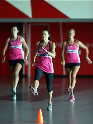 And the ANZ Championship pre-season is underway! Adelaide Thunderbirds captain Natalie von Bertouch led the way for her team at last night's training session. #netball #anzchampionship