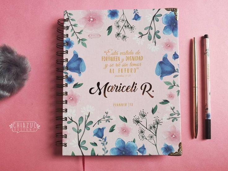 """(@chiazul.designs) en Instagram: """"Planner 2018 personalizado VESTIDA DE FORTALEZA Y DIGNIDAD! . . . #design #cute #couples #notebook…"""""""