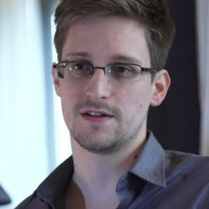 """Right Out of a Spy Movie"": Glenn Greenwald on First Secret Meeting with NSA Leaker Edward Snowden (part 3)"
