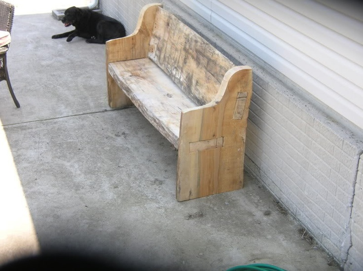 Chainsaw cut slab bench. Woodworking. Carving. Rustic. http://www.arboristsite.com/wood-carving-turning/161506.htm