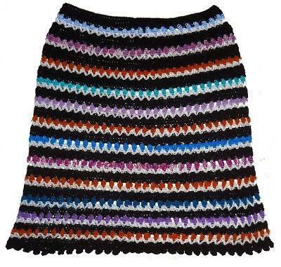 Tejidos Carmesí: Falda tejida a crochet en hilos Textil Amazonas en colores negro, violeta, azul y anaranjado, talla M
