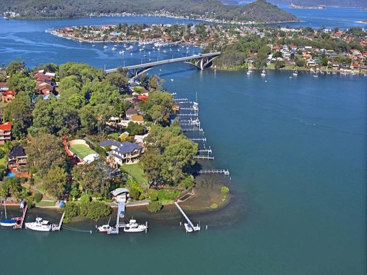Daleys Point house: aerial view of Daleys Point.