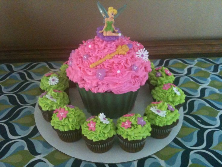 tinkerbell cake ideas | Cakes by Joanna: Tinkerbell Cupcakes