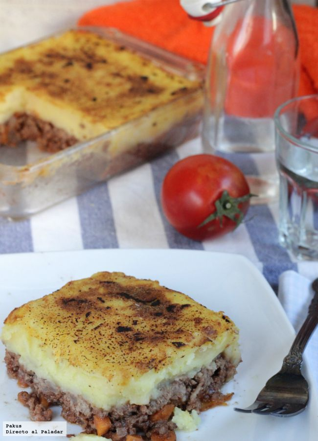 Quizás sea una de las recetas más habituales en todas las casas y es que el pastel de carne, la receta que nunca falla, gusta por igual a...