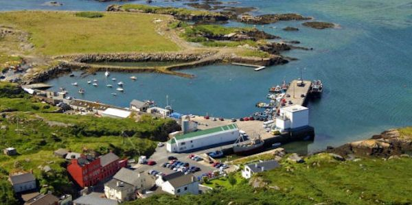 Burtonport Self Catering - selection of holiday homes in and around the west Donegal fishing village of Burtonport - featuring an exclusive island retreat.