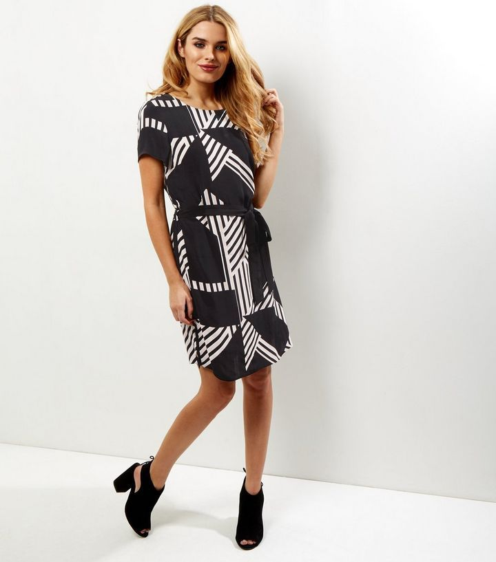 Black Contrast Stripe Belted Tunic Dress | New Look