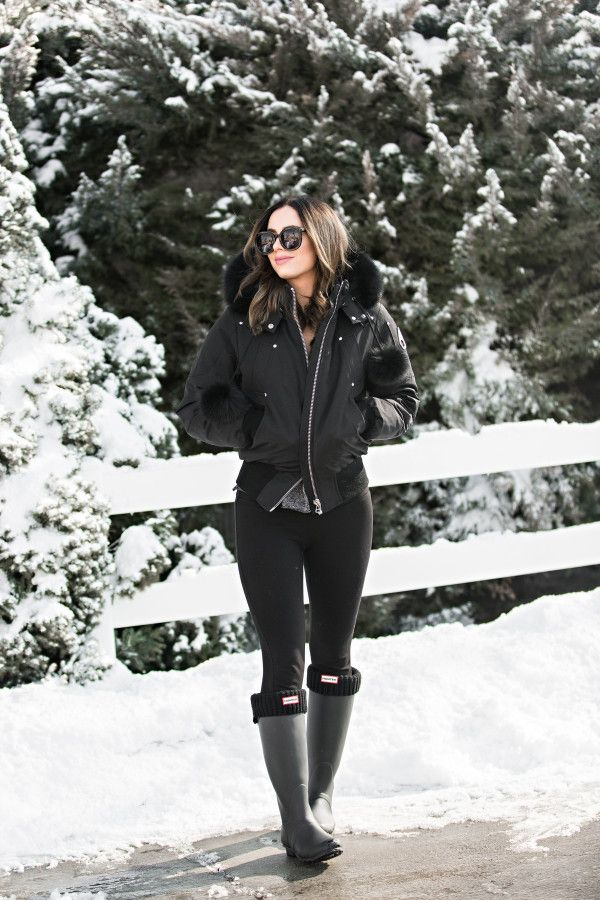 MOOSE KNUCKLES DEBBIE BOMBER JACKET AND HERE // LEGGINGS // HUNTER BOOTS // HUNTER SOCKS // KAREN WALKER SUNNIES These Karen Walkers you can rent for $30 a month!  Just use code LOVEBYLYNN at check on DITTO, or buy them whatever works for you.  But…