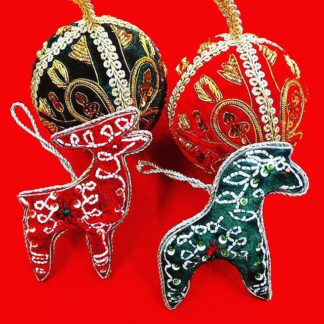 #christmas #Ornament #dalahast  #Reindeer #handmade #accessory #embroidery #sequin #art #school #lesson #ビーズ刺繍 #ハンドメイド #スパンコール #刺繍 #手芸 #お稽古 #オートクチュール #keijitagawa  #田川啓二  こちらのサイトでご購入出来ます⇨馬)http://item.rakuten.co.jp/tilia/10000829/ トナカイ)http://item.rakuten.co.jp/tilia/10000831/