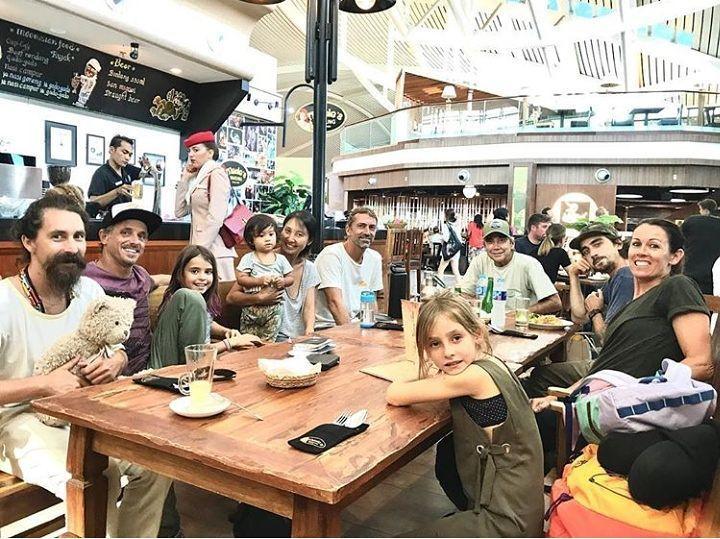 Thanks to Jake family and friends for stoping by @madeswarungairport . Have a great night guys. Suksema  #food #bali #holiday #airport #traveling #wanderlust #globetrotter #travel #travelblogger #flatlays #flatlay #flatlayoftheday #ngurahraiairport #yummy #garudaindonesia #acolorstory #foodlover #tumblr #foodforfoodie #airasiaindonesia #foodie #foodblogger #madeswarung #samsunglife #like4like #likeforlike #l4l #thebalibible #tagforlikes #followforfollow