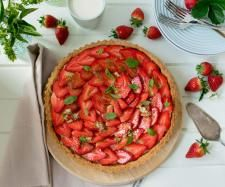 Recipe Strawberry Tart with Basil Sugar by Thermo Nutritionist - Recipe of category Baking - sweet