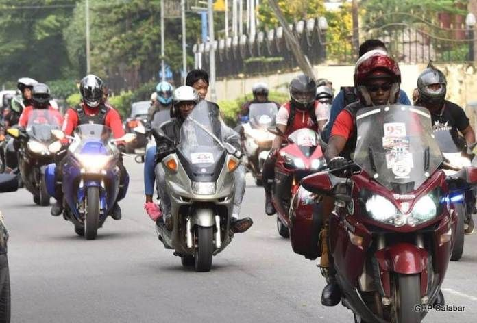 FOW 24 NEWS: Bikers Hold Unity Ride, Hoist Giant Nigerian Flag ...