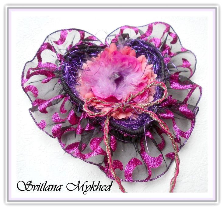 """Porte Alliances """"Coeur Gothique"""". Accessoire pour mariage. Création unique : Accessoires de maison par perles-et-couronnes"""