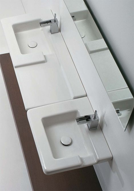 Fully white simple and sink bathroom for fresh look.