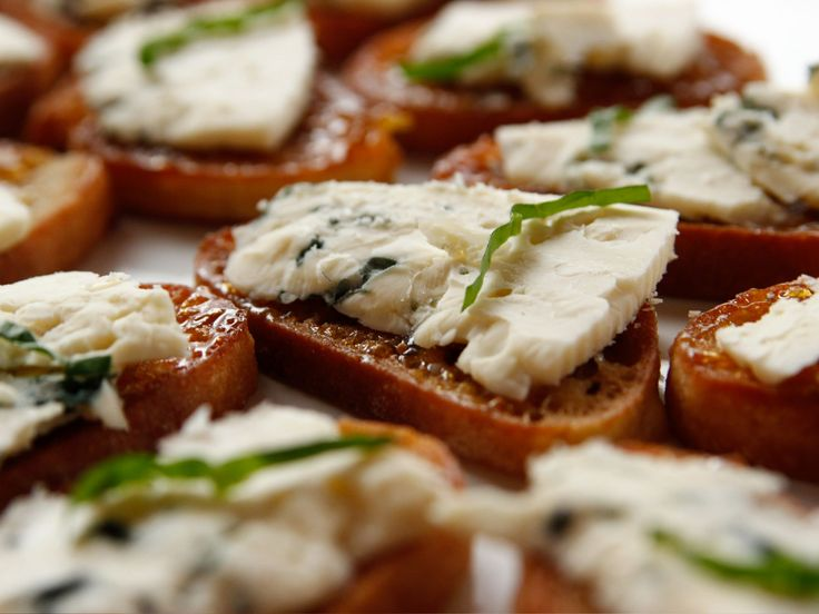 Fig and Blue Cheese (Sub Goat Cheese for Blue Cheese) Bruschetta recipe from Ree Drummond via Food Network