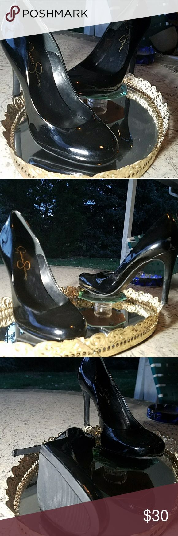 Jessica Simpson black patent leather pumps Jessica Simpson black patent leather pumps size 7 1/2 like new only worn couple times no scuffs or tears very very nice shoe Jessica Simpson Shoes Heels