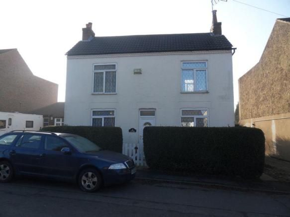 3 bedroom detached house for sale - Ibstock Road, Ellistown Full description   Beautifully presented detached family home with field views to the rear. The property benefits from uPVC double glazing and gas central heating and briefly comprises: Entrance hall, lounge, conservatory, dining room, breakfast kitchen and downstairs shower room. To the first... #coalville #property https://coalvilleproperties.com/property/3-bedroom-detached-house-for-sale-ibstock-road-ellistown