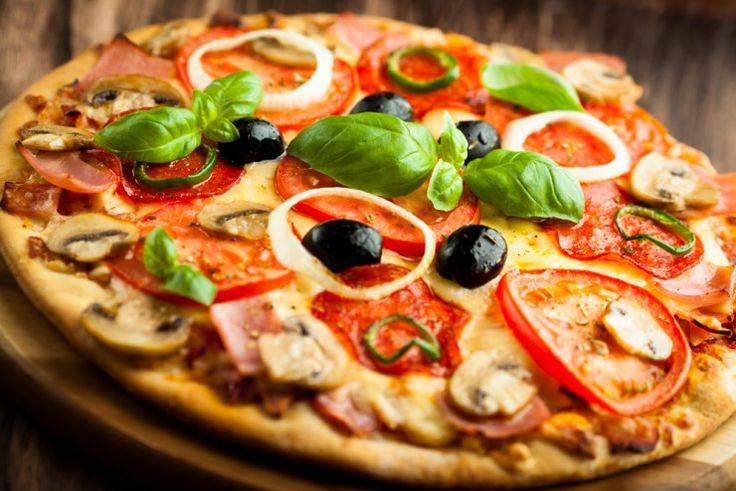 A szürkegazdaság és adóelkerülés elleni küzdelem jegyében arra biztatták a lakosságot, hogy jelentsenek minden olyan esetet, amikor valahol 6 euró (kb. 1870 Ft) alatti áron árulnak/szállítanak házhoz pizzát.