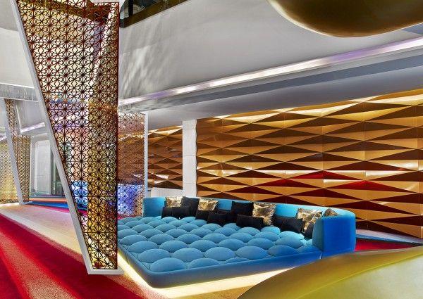 Das erste W-Hotel der Vereinigten Arabischen Emirate hat in Dubais Al Habtoor City eröffnet - und blickt dabei selbstbewusst Richtung Zukunft.