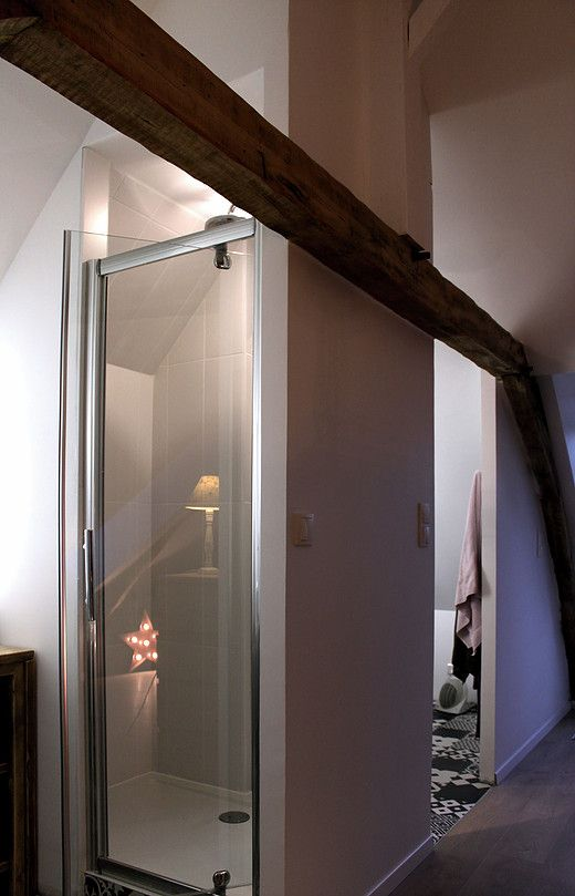 Transformer grenier en chambre, aménager des combles, créer une salle de bain…