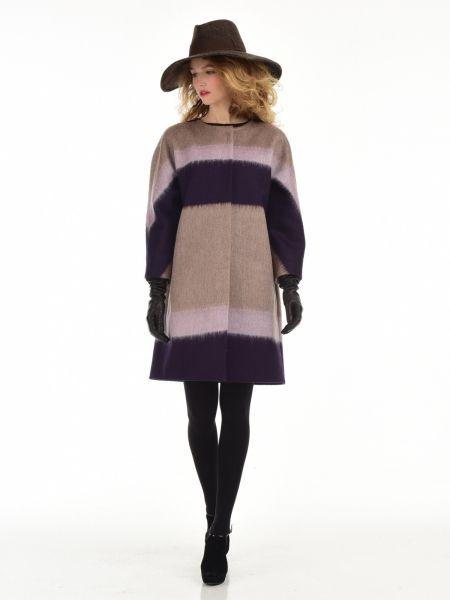 Прямое пальто без воротникаСостав83% шерсть14% мохер3% полиамидОсобенности моделиукороченный рукав кимонокарманы прорезныедополнено поясомдлина изделия 90смцвет: полоска, беж, фиолет