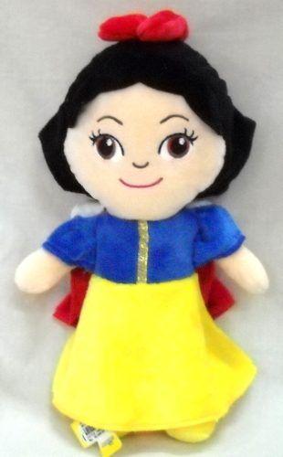 Boneka Little Princess Putri Salju 27 Cm  Kode Barang: 520068PS  Harga: Rp. 46.500-  Buruan order melalui Toko Online BBM WhatsApp Line SMS Social Media Email dsb (Caranya bisa dibaca pada halaman cara belanja).