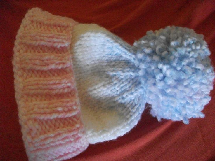Beanie Hat with Pompom - Knitting creation by mobilecrafts | Knit.Community