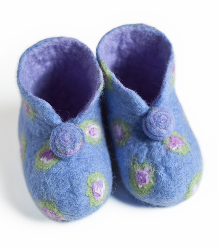 Felted bootees.  I want these in my size.
