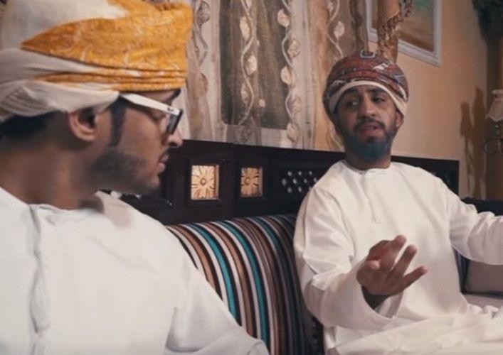 Video Despacito Versi Arab Sentuh Isu Mas Kahwin Mahal   JIKA lirik laguDespacitonyanyian Luis Fonsi dan Justin Bieberdikecam kerana mengandungi mesej-mesej berbaur lucahDespacitoversi Arab ini pula dipuji kerana menerapkan mesej yang lebih positif berbanding versi lagu yang asal.  LaguDespacitoversi Arab menyentuh mengenai isu mas kahwin yang terlalu mahal di kalangan wanita Arab.  Dalam video lagu tersebut penyanyinya Oman Mohamed Al-Mungi menyanyikan lirik-lirik yang berkisarkan mengenai…
