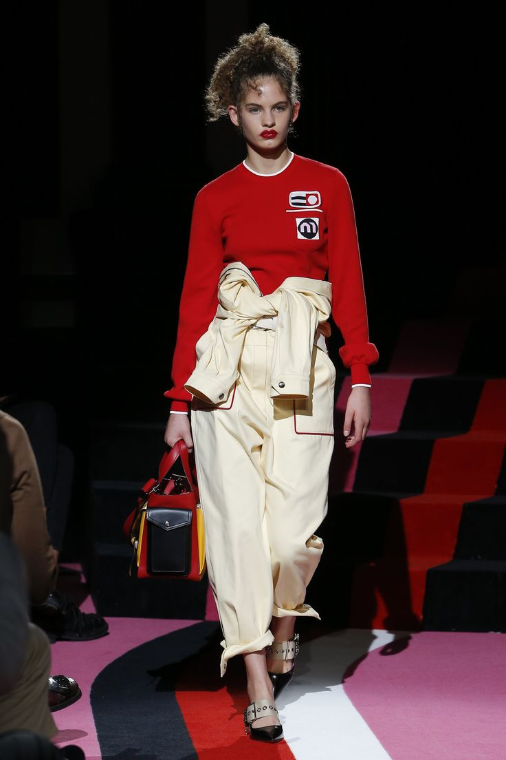 http://www.vogue.com/fashion-shows/resort-2018/miu-miu/slideshow/collection