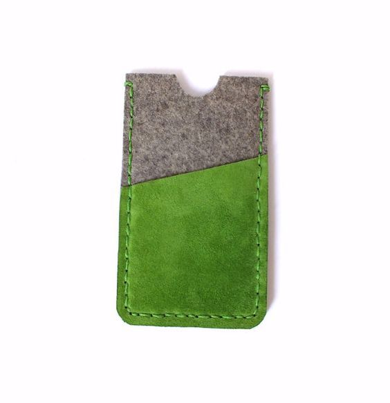 Iphone 6/6s sleeve. Pure wool felt with green suede leather iphone case. Eco-friendly phone case. Cell phone holster Handcrafted phone case.: